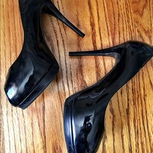 giuseppe zanotti patent leather peep toe heels